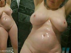 Amateur Granny Mature MILF Shower